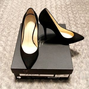 Giuseppe Zanotti paid $550 size 8 authentic